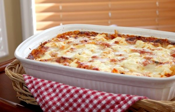 Italian Pasta – Baked Ziti with homemade marinara sauce, ricotta cheese, and mozarella cheese
