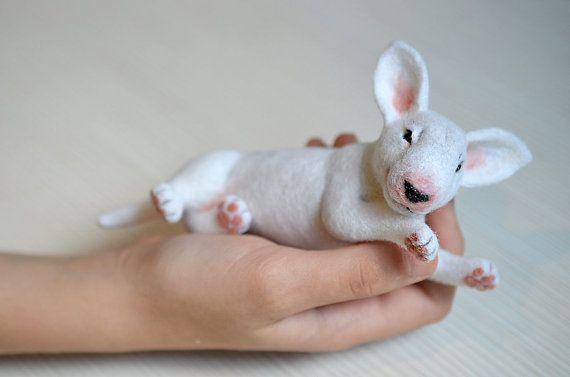 Nadel gefilzt weiße Bullterrier. Realistische Tier. von Fenekdolls