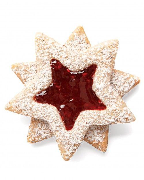 Linzer Star Cookies for Christmas - wollte ich sowieso noch machen. In der Form sind sie noch besser
