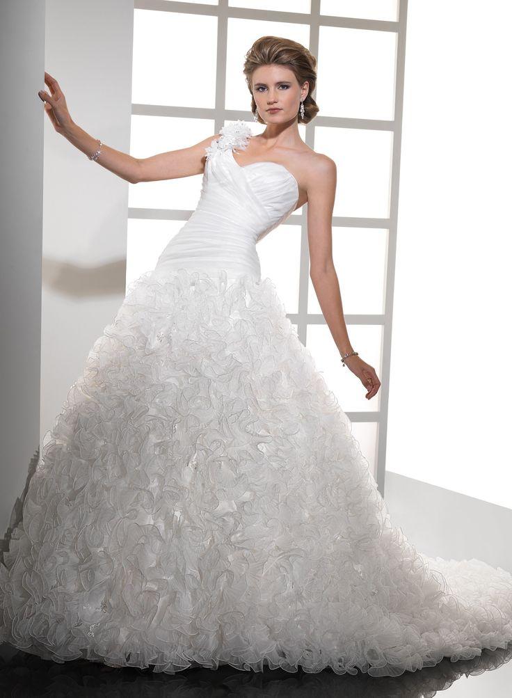 Stunning Chic Organza Figure flattering Asymmetrical Handmade Flowers One Shoulder Strap Sweetheart Neckline Ball Gown Wedding Dress