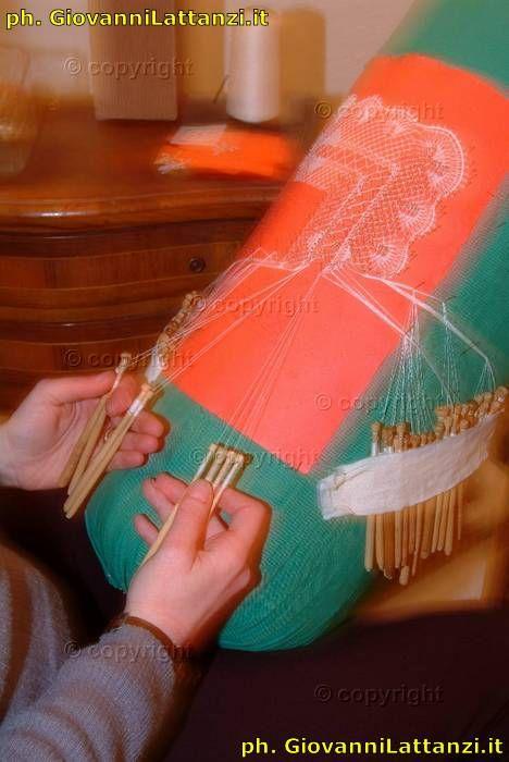 artigianato tipico, l'Aquila, tombolo
