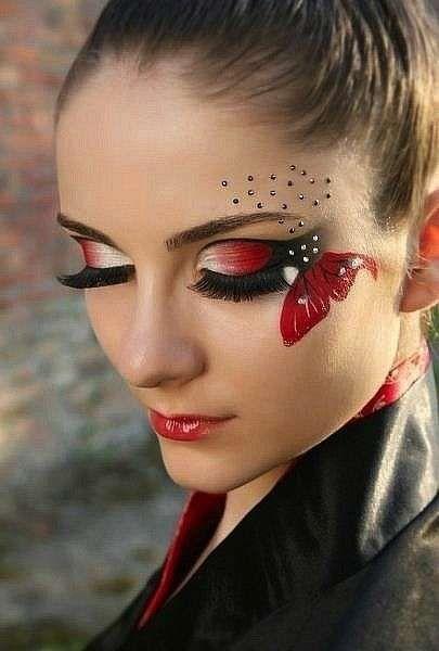 Idee make up farfalla per Carnevale - Trucco occhi a farfalla in rosso, bianco e…