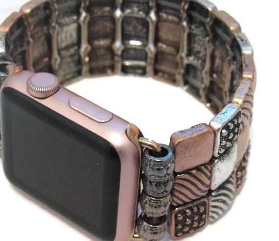Change up the look of your Apple Watch with this gold and silver mixed tri square stretch band. The mixed metal colors makes this band perfect for any color of watch face. APPLE WATCH FACE NOT INCLUDED *Stretches over the hand on onto the wrist *Custom fitted to your wrist- PLEASE