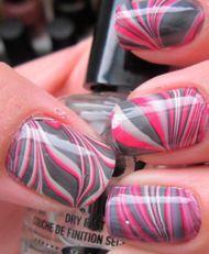 Doe-het-zelf: nagels met een marmeren patroon