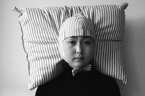 sleep anywhere: Jooyoun, Cool Pillows, Beds Head, Airplane, Japan Inventions, Joo Youn, Funnies, Pillows Hats, Christmas Party