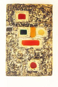 Vintage wanddecoratie met gekleurde vlakken