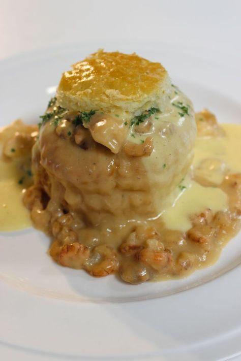 """Het lekkerste recept voor """"Vol-au-vent met zeetong en garnalen """" vind je bij njam! Ontdek nu meer dan duizenden smakelijke njam!-recepten voor alledaags kookplezier!"""