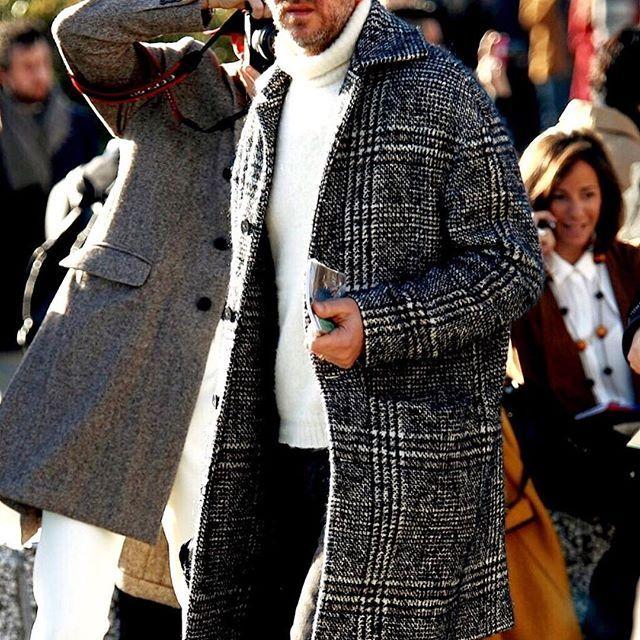 大柄グレンチェックのステンカラーコート。程よい着丈でバランスが良い。着こなしもバッチリ。 オーダースーツ専門店DoCompany http://www.do-company.co.jp #ファッション #オーダースーツ #スーツ #スーツ男子 #ブランド #メンズ #コート #コーディネイト #コーデ #グレンチェック #ドゥ・カンパニー