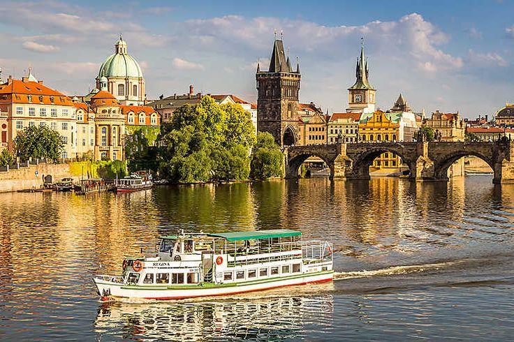 Routard.com : toutes les informations pour préparer votre voyage Prague. Carte Prague, formalité, météo, activités, itinéraire, photos Prague, hôtel Prague, séjour, actualité, tourisme, vidéos Prague