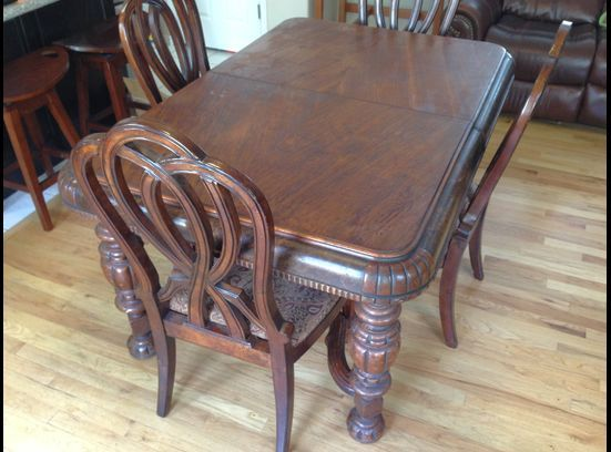 Antique Dining Table 1800s With 4 Chairs