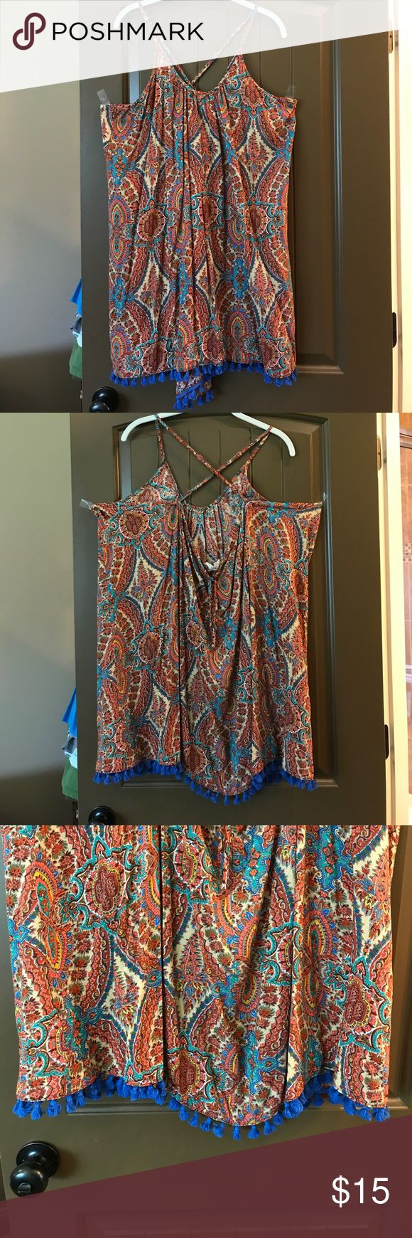 NWOT Umgee boho dress/cover up size Large FOR SALE NWOT Umgee boho dress/cover up size Large. Has cross cross back and blue Pom poms around bottom edge. Super cute. Could wear as a dress or as a swim cover up. Umgee Dresses