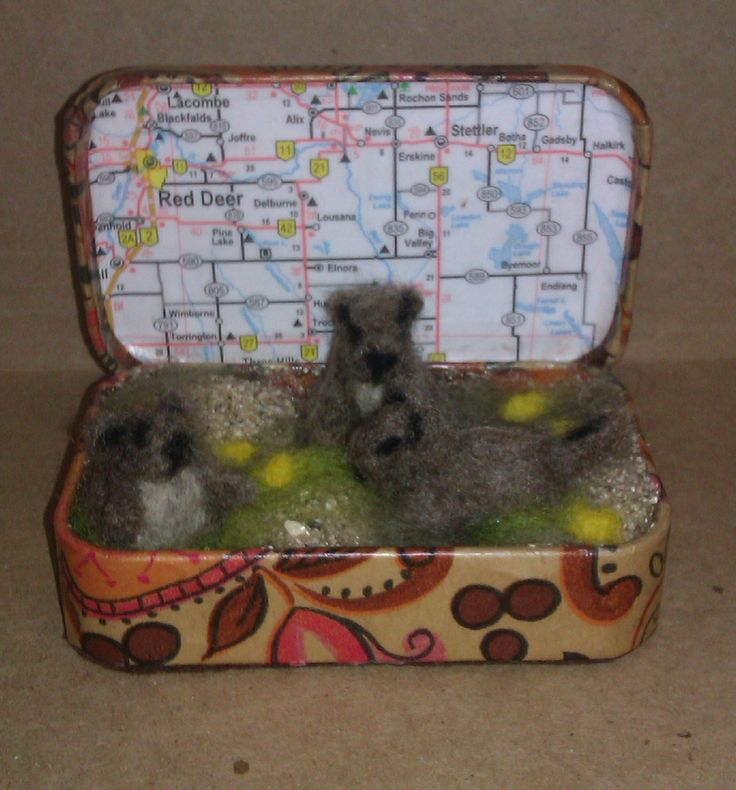 """""""Three Gophers""""; 2014; needle felted sculpture by Holly Boone of Polar Lights Art Studio. Currently located at the Alberta Craft Council. http://polarlightsart.wix.com/plas#!hollys-work/cq0w"""