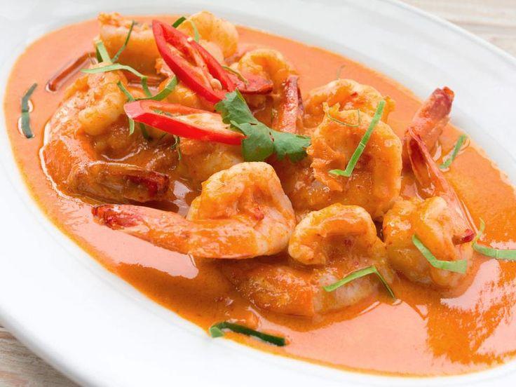 Jhinga curry e subzi biryani (curry de camarão e arroz com legumes)