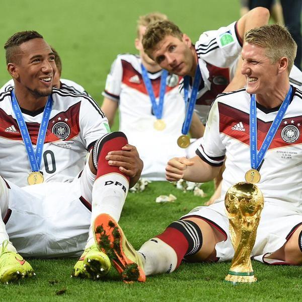 Jerome Boateng @JB17Official 18h18 hours ago  #DankeBasti @BSchweinsteiger  Good luck @ManUtd  https://twitter.com/JB17Official/status/619941469986652160