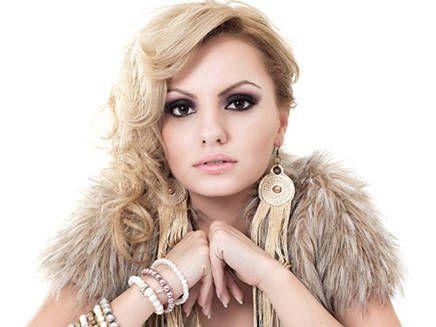 Beauty Alexandra!