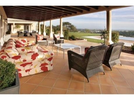 Sea view house for sale in Boliqueime, Algarve, Portugal.
