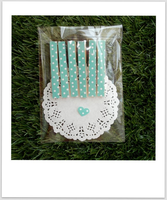 @LuckyDip_ $2.95 www.etsy.com/listing/96659129/display-pegs-vintage-green-white-polka