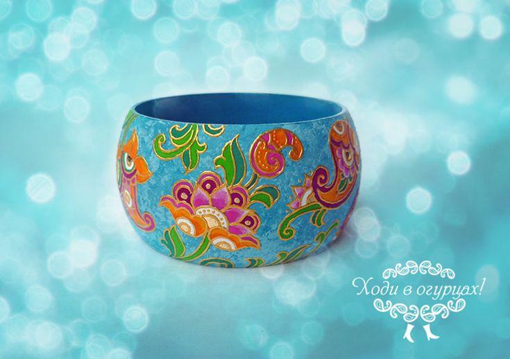 hand-painted wooden bracelet Batik