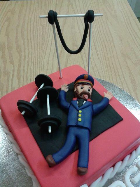 #tarta de #fondant para el #cumpleaños de Sergi. #fondantcake #anniversary #mermelada #melocoton #ganache #chocolate #gym #mossosdesquadra #police #cop #sweet #Lleida www.pastisseriachic.com