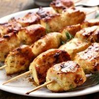 Hou je van BBQ-en en hou je van de Griekse Keuken???? Dan moet je deze spiesen echt eens gaan proberen. De knoflook en oregano die in de marinade zitten geven...