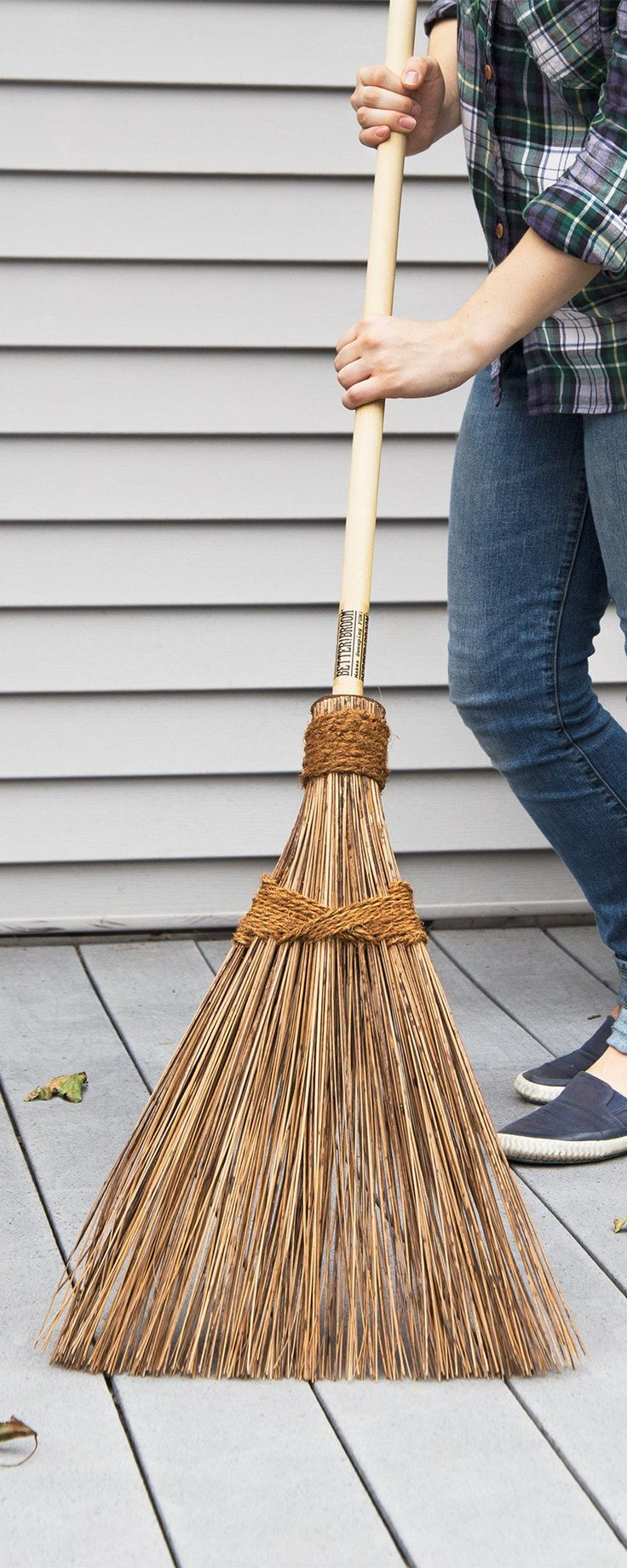 A sturdy sweeper straight from a coconut tree. The sturdy, lightweight broom can sweep indoors or out, from dirt to leaves and even light snow. It'll last for years.