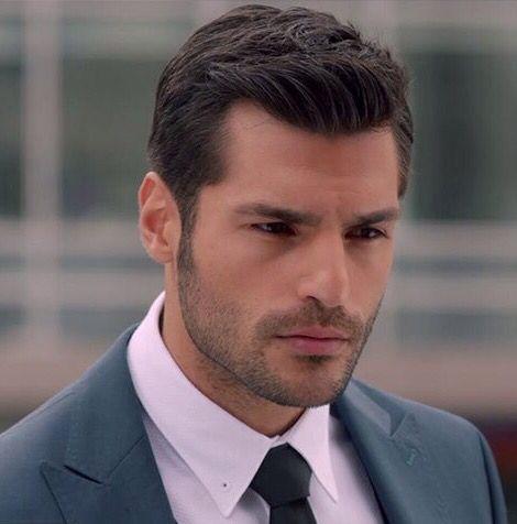 Serkan Cayoglu as Ayaz Dincer