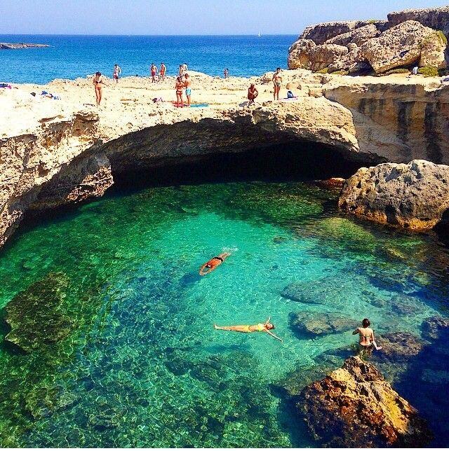 Grotta della poesia, Salento, Italy http://www.salentourist.it/salento/pescoluse/#results