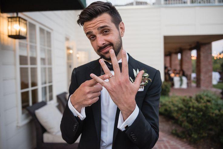Fun wedding photo idea for the groom (Viera Photographics)