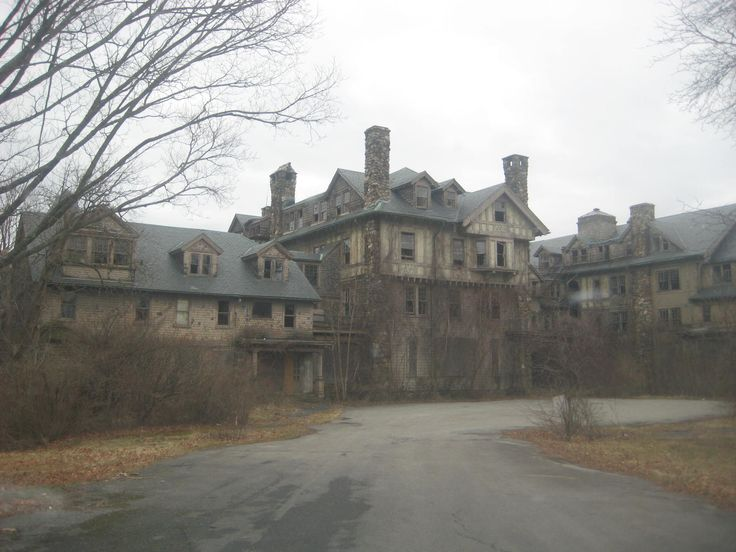 Abandoned places are the best for stripping 9