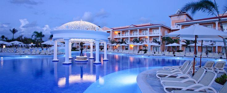 Ett av de många poolområdena på Luxury Bahia Principe Ambar i Punta Cana.