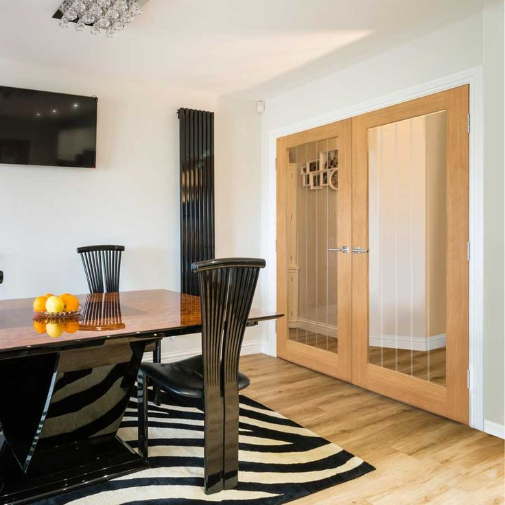 Oak Thames 1 Light door - Oak door with clear glass panel and etched lines