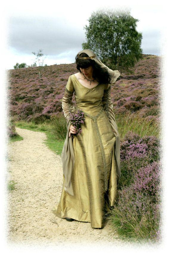 """""""Galienne"""" medieval style gown  by Nine Ladies Designs"""