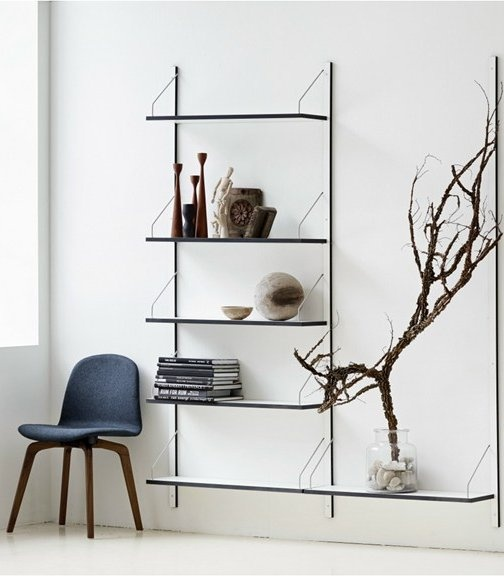 Photo: Skovdal.dk Wall-mounted sectional HPL #bookcase ROYAL SYSTEM by DK3 ApS | #design Poul Cadovius