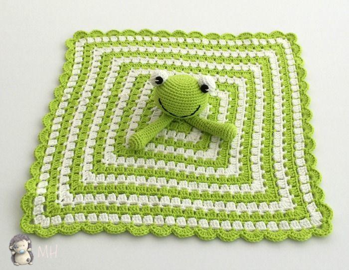 Como tejer una mantita de apego a crochet con amigurumi de jirafita, ideal para niños pequeños y bebés.