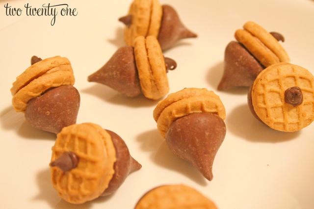 Cute Acorn Treats..Nutter Butter, Food, Fall Recipe, Acorn Cookies, Fall Treats, Hershey Kisses, Peanut Butter, Kisses Acorn Treat, Acorn Treats