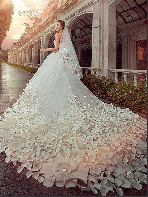 Beautiful White Wedding Dress With Petals Amazing