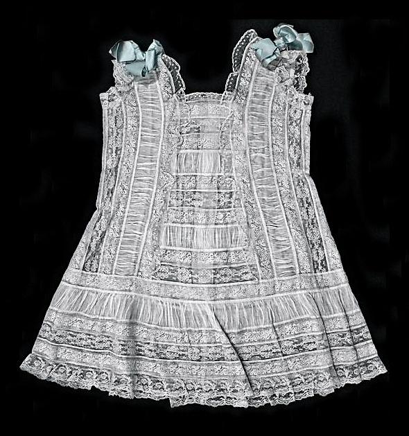 Girls Vintage Look Dresses