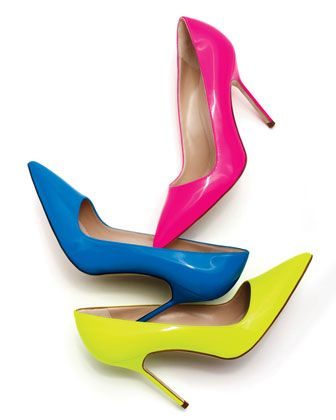 Felgekleurde versie van een pump met enkele zool #fashiontrends