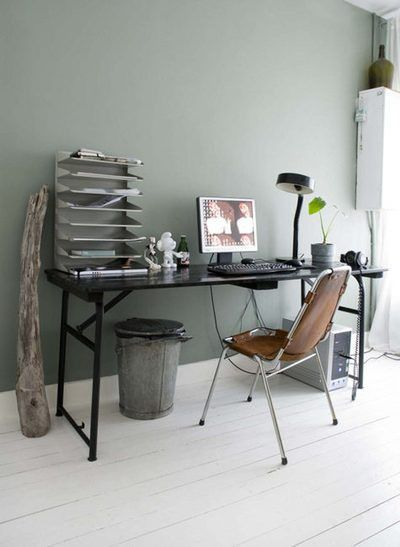 Post-industrial minimalist chic. (via Ideas To Steal)