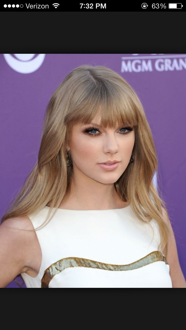 Taylor Swift hair color