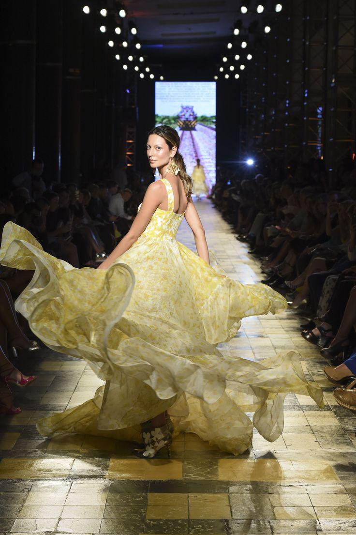 Silvia Tcherassi SS2017  Ethereal ruffled summer gown. #MariposasAmarillas
