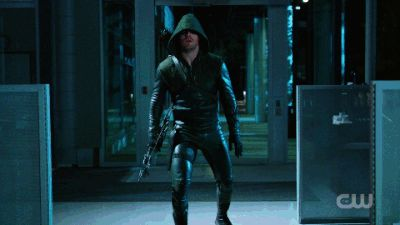 the flash gif | This GIF Explains Everything That Was Great In The 'Flash/Arrow ...