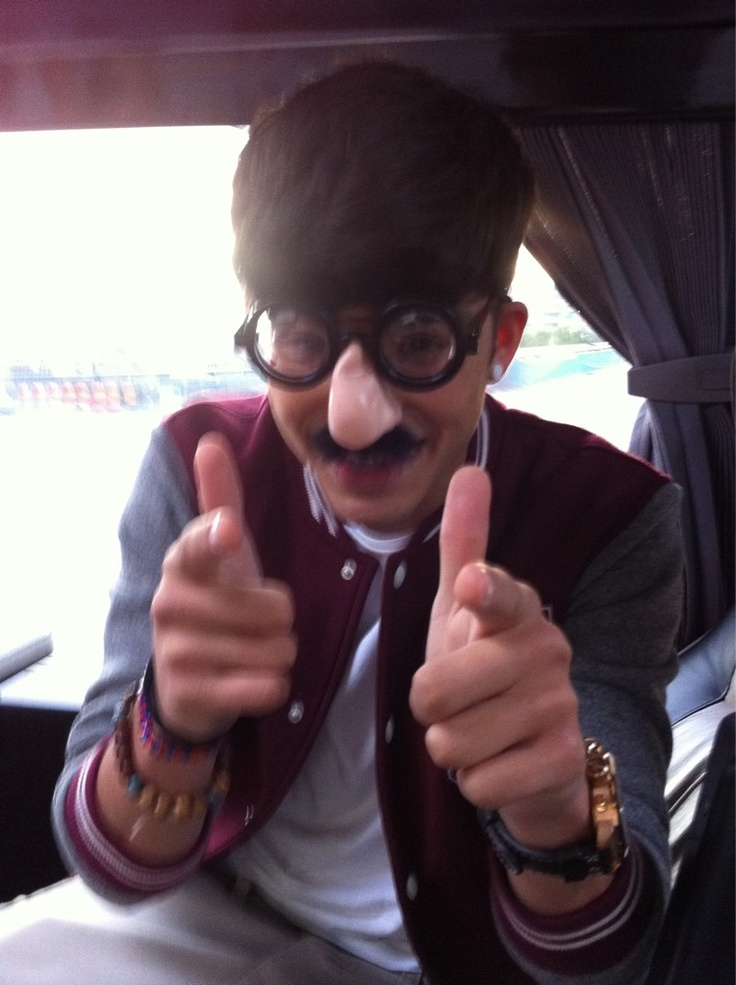 Zayn Malik 'Our new mascot...' 19th August 2011