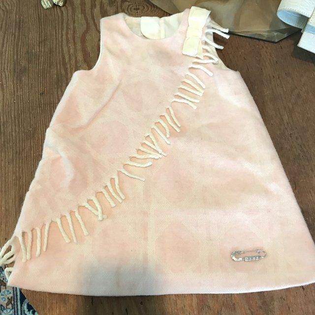 """""""Lasciati guidare dal bambino che sei stato"""". (Josè Saramago) Abitino Baby Dior in lana #vantovintage #negoziovintage #paganivintage #viacomunaleamalfitana9v #modavintagepagani #secondhand #moda #shopping #idearegalo #vantopagani"""