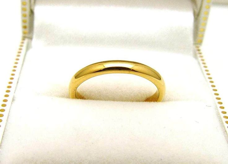 Vintage 22K Yellow Gold 2.5mm Wide Wedding Band - 2.77 Grams #Unbranded