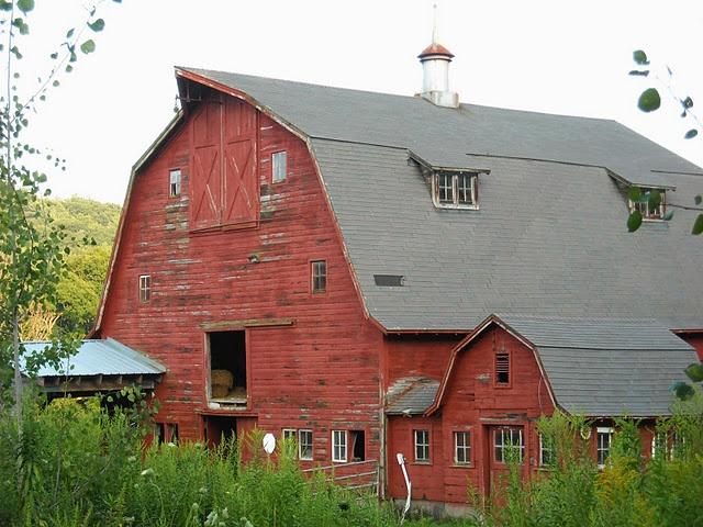 what I would call 'a pretty barn'