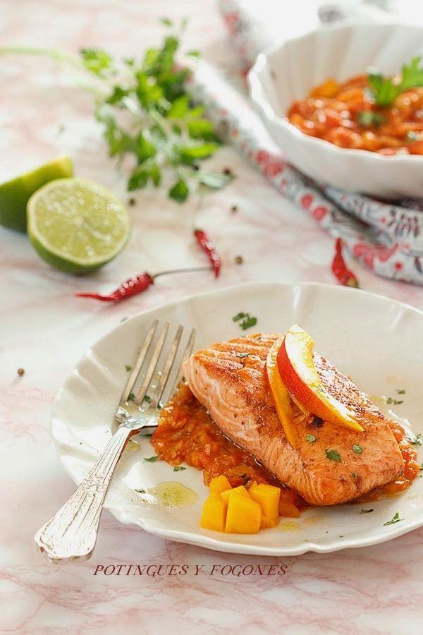Salmon with mango and lime sauce