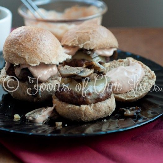 Green Sliders (Spinach, Mushroom, And Beef Mini Burgers) Recipe ...