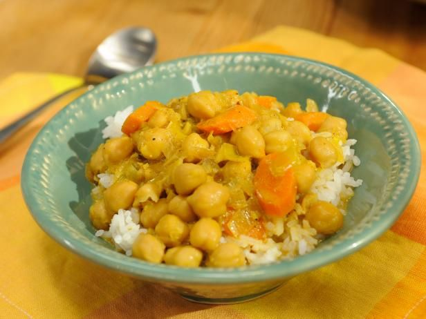 Get Kardea's Curry Coconut and Lemongrass Chickpea Soup Recipe from Food Network