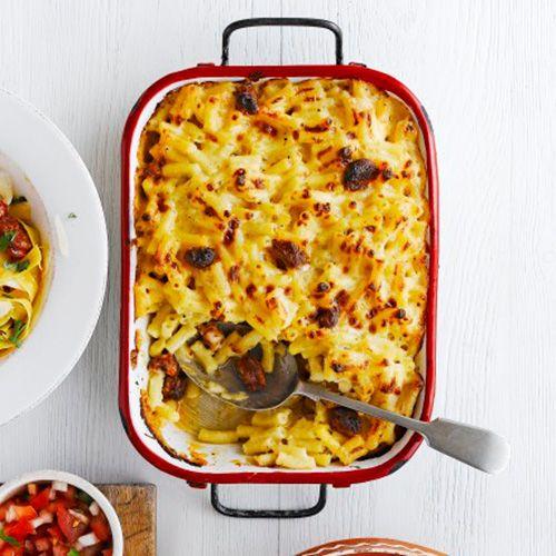 Macaroni met kaas en chorizo recept - Jamie magazine